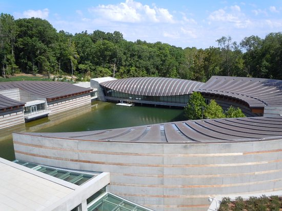 Bentonville, AR: An overview of the Museum...taken in 2012, one of our first visits. But it is still beautiful