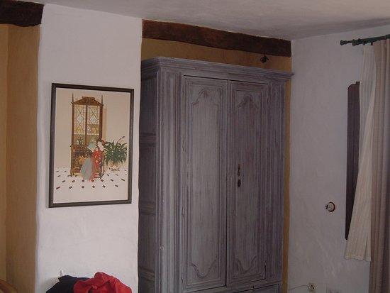 La Fructuosa: Armario de la Habitación, perteneció a una antigua Sacristia