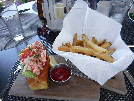Chatham Bars Inn Resort - Dining: Lobster roll lunch in The Veranda