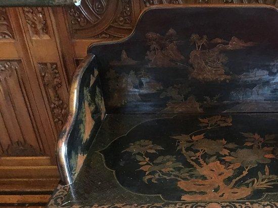 https://media-cdn.tripadvisor.com/media/photo-s/0c/b6/81/13/interieur-in-het-kasteel.jpg