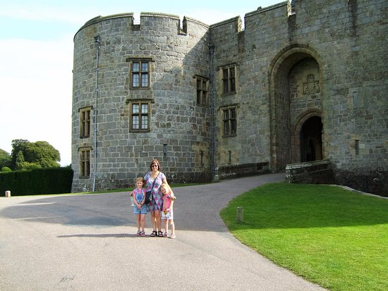 Chirk, UK: Main castle entrance