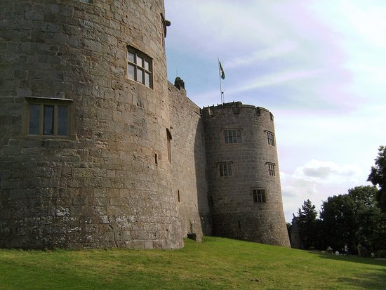 Chirk, UK: Castle walls