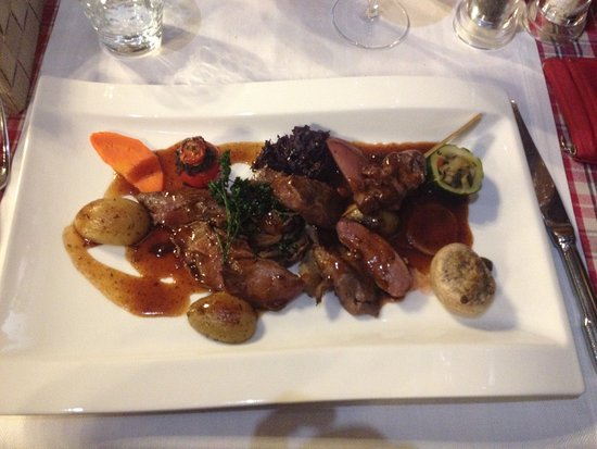 Katzenthal, Francia: Trop trop bon ...  Menu gargantuesque à faire et refaire... Heuuu c'est copieux!!! M