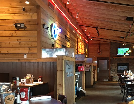 Muscle Shoals, ألاباما: Logan's Roadhouse in Muscle Shoals