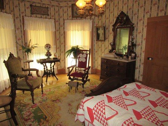 Beyer Home Museum: Second floor bedroom