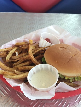 Magnolia, AR: Great Burger Basket 8.71 with Tax. Yummy!!!