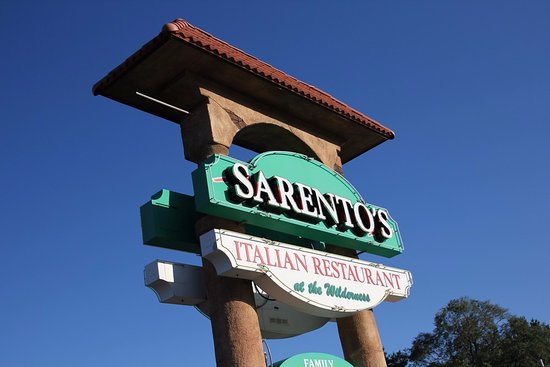 Sarento's Italian Restaurant : Sarento's sign