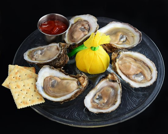 Cheeves Bros Steak House : Oysters on the Half Shell
