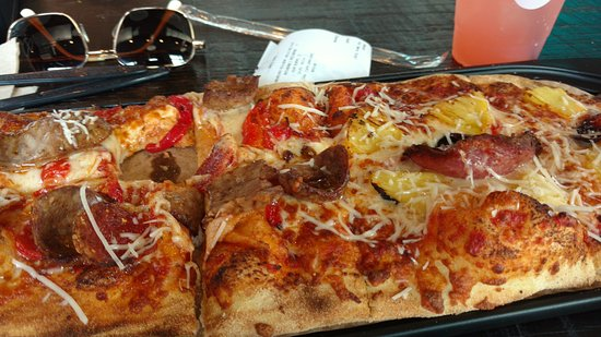 North Bethesda, MD: Soda & pizza on a hot day