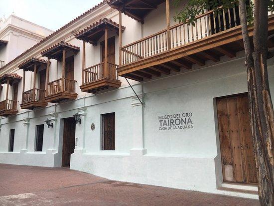 Foto de museo del oro tairona casa de la aduana santa marta district tripadvisor - La casa del compas de oro ...