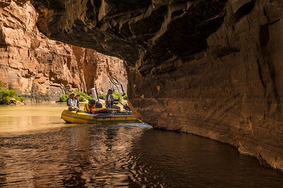 Outdoors Unlimited Grand Canyon Rafting: Outcropping