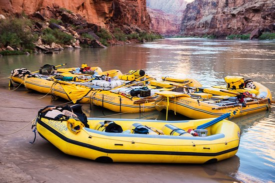 Outdoors Unlimited Grand Canyon Rafting: Oar and Paddle Boats