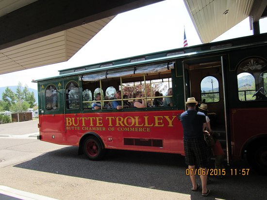 Butte Trolley Tour: The Butte Tour Trolley boarding passengers