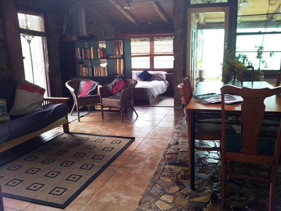 Mudgee, ออสเตรเลีย: Saddlers Cottage living and sunroom
