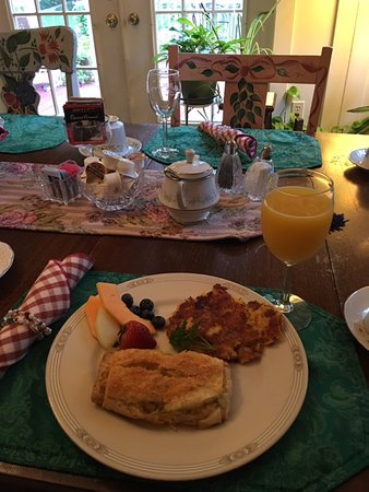 Walnut Street Inn: excellent breakfast