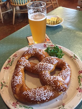 Glendale Heights, IL: Pretzel appetizer