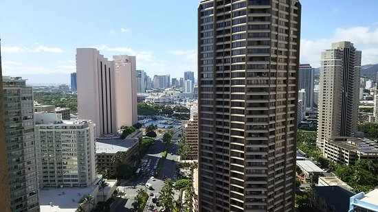 Grand Waikikian by Hilton Grand Vacations: Ala Moana Centerが見える!