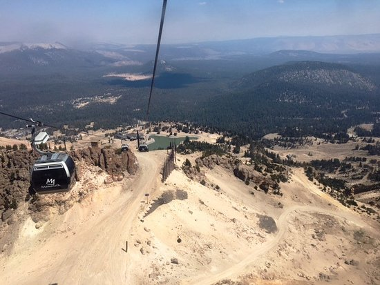 Mammoth Mountain: Descent on Gondola (smoke from Sequoia fire)
