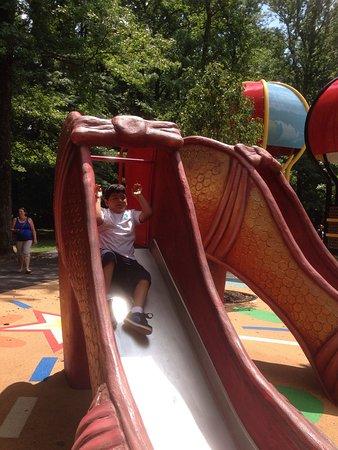 Upper Marlboro, MD: Watkins regional Park  Lindo parque para disfrutar en familia con tren, carrusel y una granga de