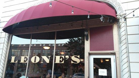 Montclair, Nueva Jersey: Front of the restaurant