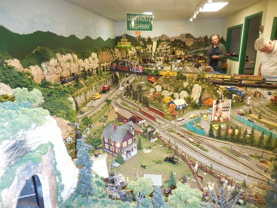 East Liverpool, OH: Model Train Display on the Lower Level