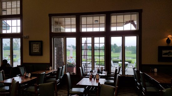 Acme, MI: Clubhouse Grill