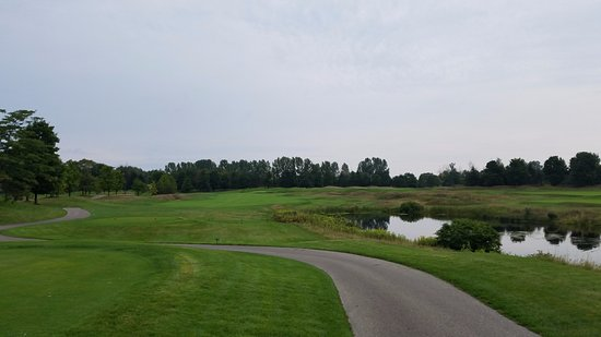 Acme, MI: Bear Golf Course 1st hole