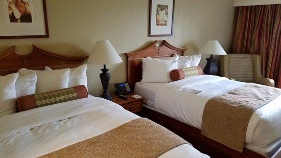 Acme, MI: Beds