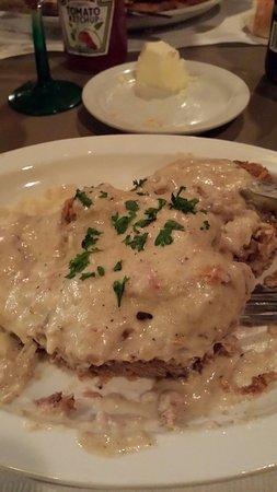 Búfalo, WY: Delicious.  Best steak around, yet the special was Chicken Fry Steak.