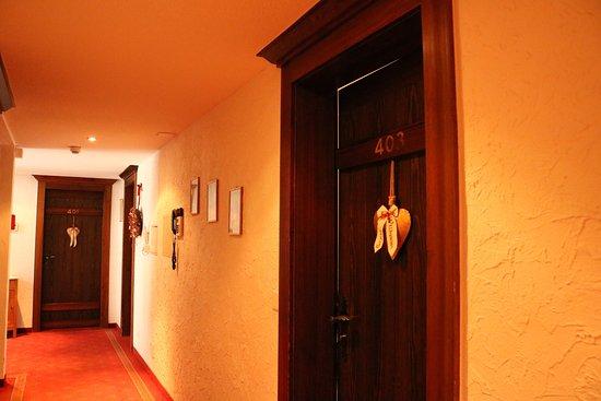 Admiral Hotel : 廊下