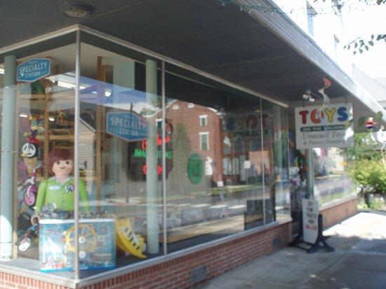 Hummelstown, PA: Main Entrance