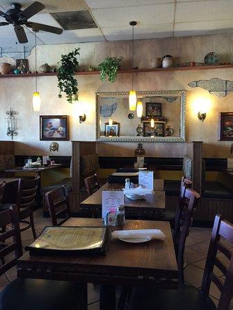 Lake Forest, CA: Empty restaurant