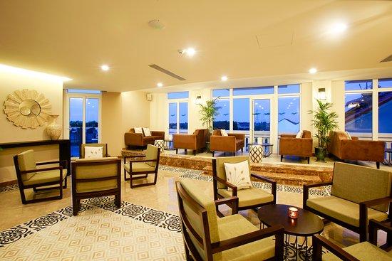 Lasenta boutique hotel hoian r m 4 3 4 rm 371 for Best boutique hotels hoi an
