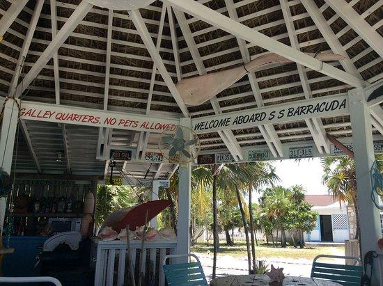 North Caicos : Interior of the bar.