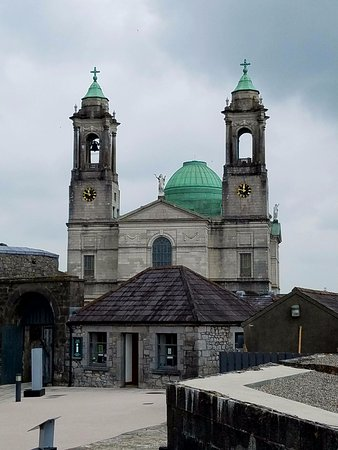 Castle & Sts. Peter & Paul, downtown Athlone