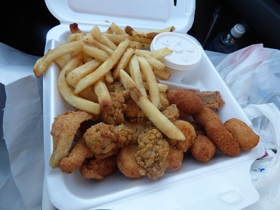 Elizabeth City, NC: Fries were not fully cooked and food was barely warm.