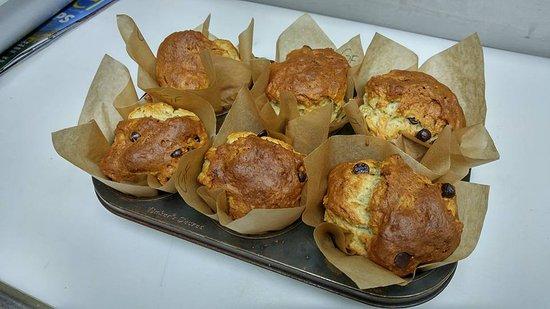 พอร์ตอัลเบอร์นี, แคนาดา: they made be ugly sometimes, but our Gluten Free muffins are delicious!