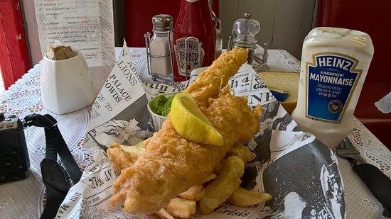Arnies Restaurant: Amazing Fish & Chips!