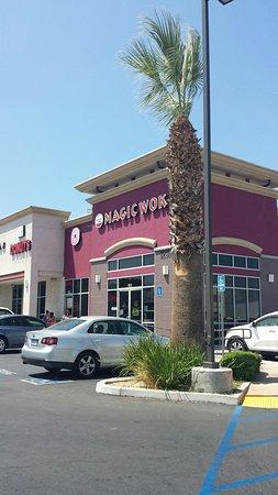 Corona, CA: Magic Wok