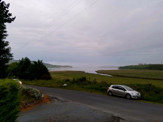 Forest Lodge B&B: View of the bay