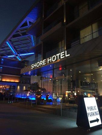 Shore Hotel: Night Look