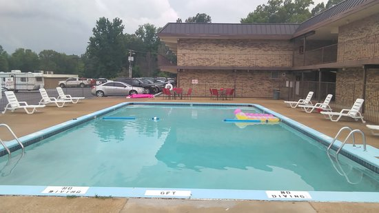 Paris, TN: Outdoor Swimming Pool #2