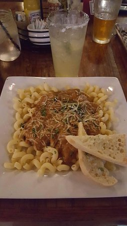 Galesburg, IL: Portobello Stroganoff with garlic bread and a Beergarita