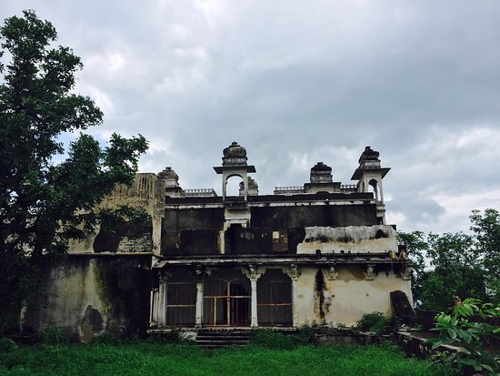 Udaipur District, India: RUTHI RANI KA MAHAL