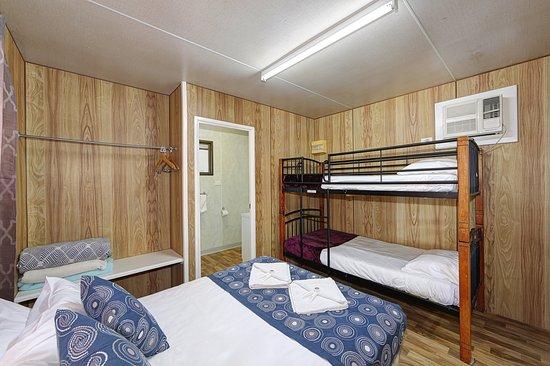 Alva Beach, Australien: bedroom cabin 15