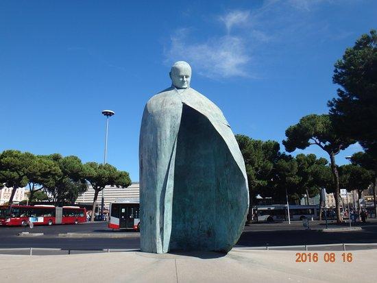 Statua di Papa Giovanni Paolo II