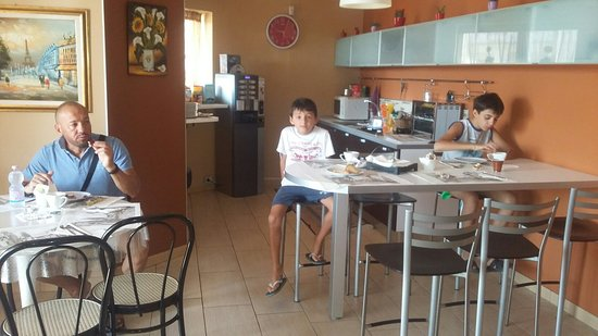 L'Incontro Bed&Breakfast: 20160821_094333_large.jpg