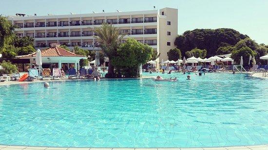 Avanti Hotel: IMG_20160822_091803_large.jpg