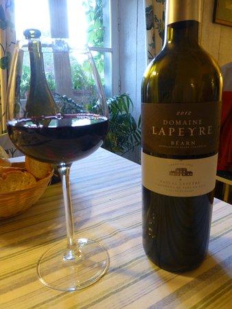 Sevignacq-Meyracq, Fransa: Excellente vin rouge du Béarn