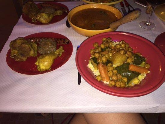 Aladdin: couscous royal avec sa viande sublime